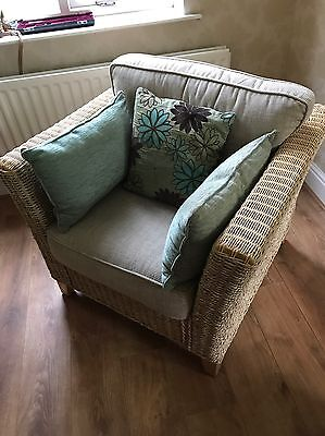 Conservatory Suite - 5 Piece, Sofa, 2 Armchairs, Coffee Table and Side Table