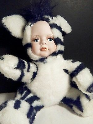 Show Stoppers Babes in the Wild Plush Purr Cat Porcelain Doll Face Baby