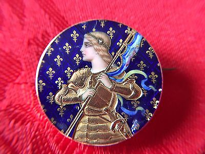 Enamel and 18 ct Yellow Gold Brooch -  Joan ARC /Jeanne d'ARC