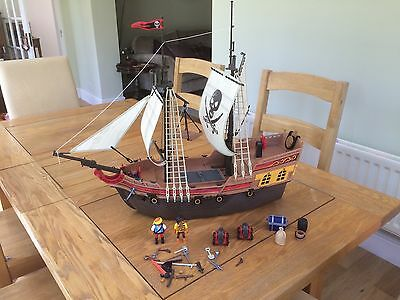 Large PLAYMOBIL Pirate Ship and lots of accessories