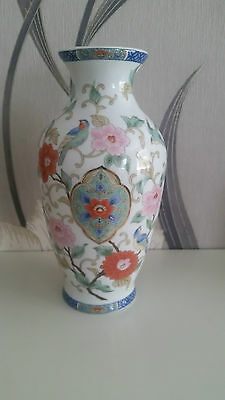 Chinese Themed  Decorated Vase Birds & Flowers - Leonardo Collection
