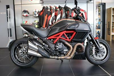 2015 15 Ducati Diavel Carbon Red
