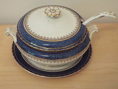 """Small Tureen + Ladle Booths Silicon China A3235, Rd No 742044/5, J H Awmack 8.5"""""""