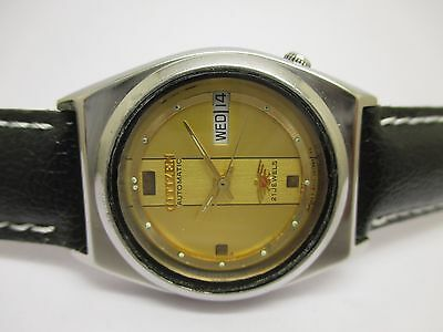 Vintage Men's Citizen Automatic Day And Date Wrist Watch In Beautiful Condition