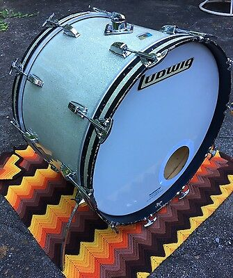 """Vintage 1970's Ludwig 22"""" Bass Drum Silver Sparkle 3 Ply ALL ORIGINAL"""