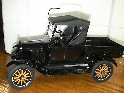 Danbury Mint Diecast 1925 Ford Model T Runabout (Pickup Convertible)) 1:24 scale