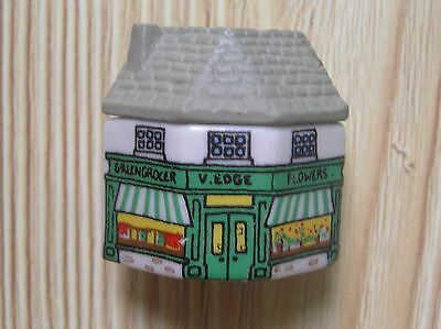 "A Wade Whimsey-On-Why V Edge Greengrocer's Shop 1981-2: 1.5"" Tall: Vg Condition"