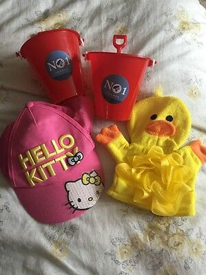 Hello Kitty Cap Holiday Beach Bundle Bucket & Spade Duck Wash Cloth New
