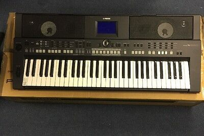 Yamaha PSR-S650 Digital KeyBoard