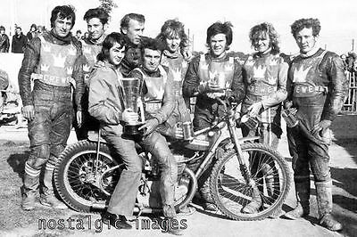 Photo Taken From A 1972 Image Of The Crewe Speedway Team