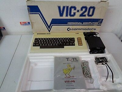 Vintage Commodore Vic-20 Computer Rare Gold Made In Japan Blue Box Works Console