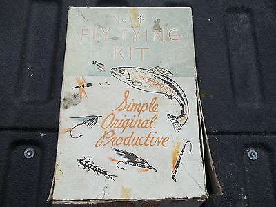 Vintage Universal Fly Tying Kit No.4 Fishing Flies Feather Furs String Orig Box.