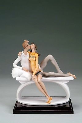 """Giuseppe Armani Florence 2005 Figurine Just The Two Of Us Couple Kissing 9 1/8"""""""