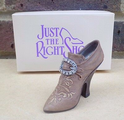 JUST THE RIGHT SHOE - Teetering Court