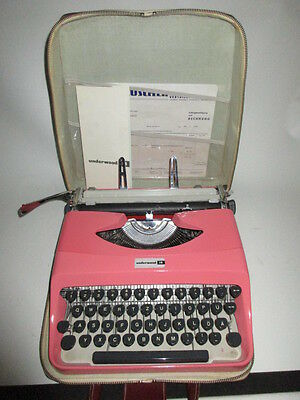 VTG Typewriter in Old pink Underwood 18 And Case Made in italy 60`s