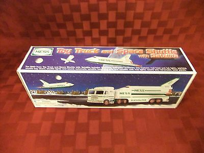 HESS TRUCK : 1999 TOY TRUCK and SPACE SHUTTLE with SATELLITE ~NIB~
