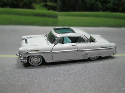 1954  '54  MERCURY SUN VALLEY  WHITE  S SCALE DIE-CAST FOR LAYOUT or DIORAMA