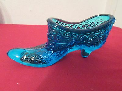 Daisy and Button or Button and Bows Blue Glass Shoe Very Nice Condition