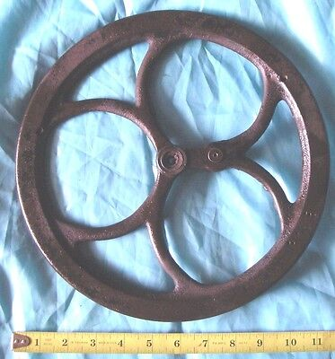 11 1/2'' WHEEL PULLEY Primitive Cast Iron gear vintage barn Industrial Steampunk