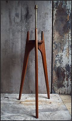 VINTAGE RETRO Mid century 1960S  ROCKET TRIPOD FLOOR LAMP Danish teak G plan era