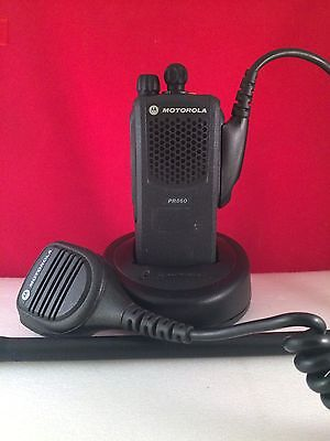 MOTOROLA PR860 Low Band 29-42MHz 16 Channel Radio With Charger And Speaker Mic