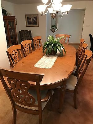 dinning room table.  Has 8 chairs and was purchased at bakers furnitaure