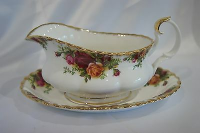 Royal Albert Old Country Roses porcelain sauce jug/gravy boat with plate