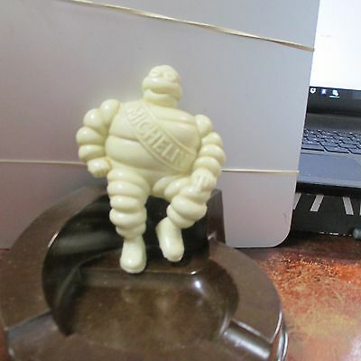 Michelin Man 1950s plastic/Bakelite Ashtray w/ Seated Man. Made in USA