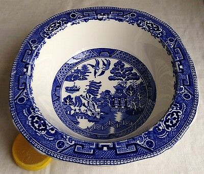 """Olde Willow Serving Bowl England Alfred Meakin 8.5"""" Blue & White Asian Pagoda"""