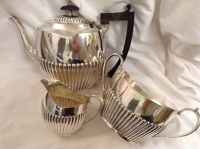 Lovely Vintage  Three Piece Silver Plated Half Ribbed Tea Service (Spts 77)