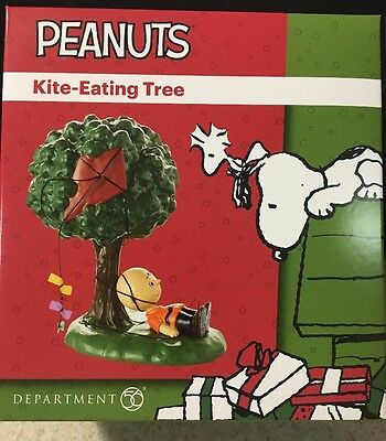 Dept 56 Peanuts Village Charlie Brown Kite Eating Tree Figurine 4053056 NEW NIB
