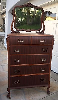 Antique Dresser / Chest Of Drawers With Mirror