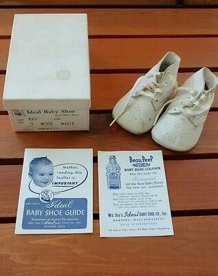 Vintage Mrs Days Ideal White Leather Baby Shoes Size 0 Wide Original Box Doll
