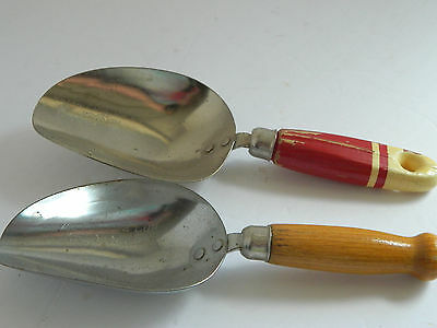 Lot of 2 Ekco A & J Level Full 1/4 Cup Metal Scoop with Wooden handle  USA