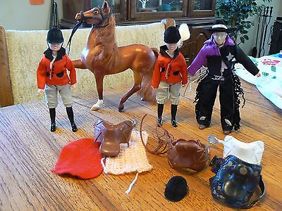 Breyer Horses Dapples & Ponies: English Champion Stallion Chestnut, Riders, Gear