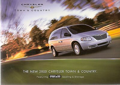 Brochure: Chrysler Town & Country 2005