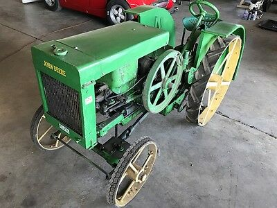 1/2 Scale Model John Deere D Operational Tractor With A 1 1/2 Hp Hit Jd And Miss