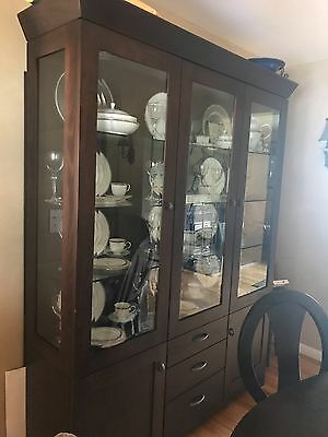 Ethan Allen Dining Room Set:Table, 6 chairs, pads, 2 leaves, china cabinet,curio