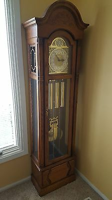 Howard Miller Grandfather Clock Local Pick Up Only Chicago South Suburbs