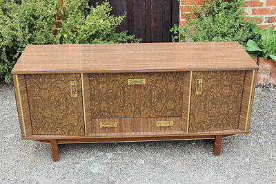 Beautiful 50's 60's Formica sideboard/cabinet/TV stand 4 feet 6 inches long !