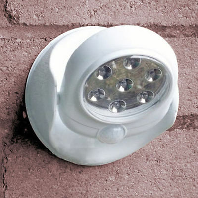 Benross Motion Activated Wall Mounted 7 LED Cordless Light