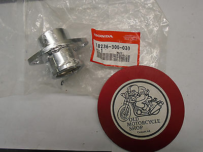 HONDA CB750 EXHAUST FLANGES  N.O.S.   18236-300-030   (4 in stock)