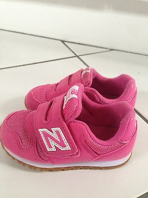 New balance Girls Trainers Size 6,5 Infant