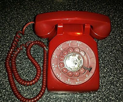 Vintage Cherry Red AT&T Western Electric Rotary Dial Desk Top phone 500DM 1969