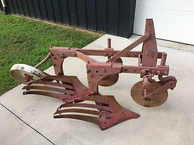 International Slat Wing 2 Bottom Plow w Coulters and Tail Wheel- Field Ready!