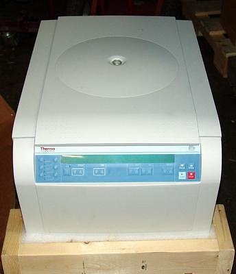 Thermo Scientific Sorvall St 16 Centrifuge