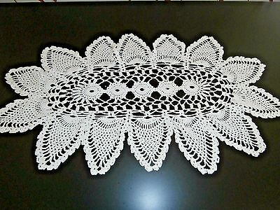 "VINTAGE WHITE COTTON HAND CROCHET LACE TABLE MAT/DOILY/RUNNER ~ 16"" x 10"""