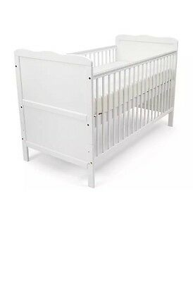 Isabella Cot Bed white From Birth Until 5 Years FREE POST