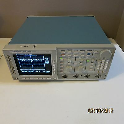 Tektronix TDS640A Four Channel Digitizing Oscilloscope 500MHz 2 GS/s OPT: 1F