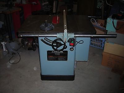 "Delta 10""  Uni Saw Rockwell great condition table saw"